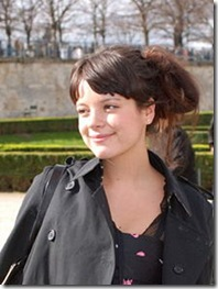 220px-Lily_Allen_-_Cropped